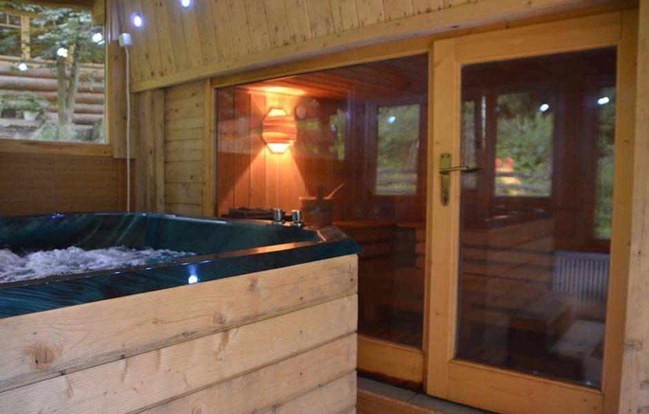Valea Paradisului Jacuzzi sauna